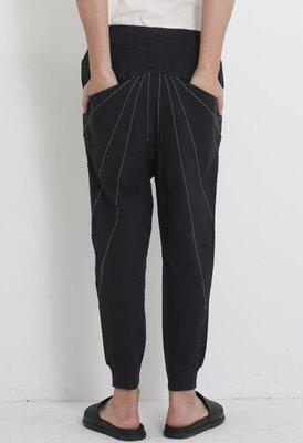 FINDSENSE MD 韓國 男 街頭 時尚 暗黑 束腳 縫衍線裝飾 休閒長褲 個性特色長褲
