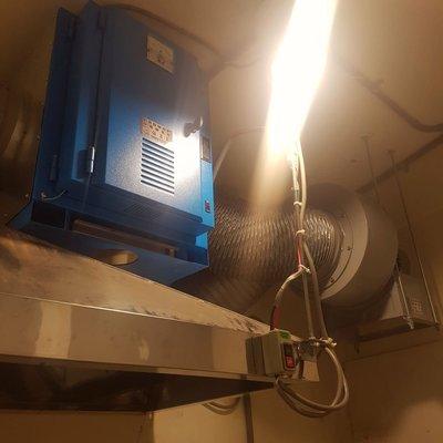 2千型靜電機➕1碼風車➕20米耐高溫軟管➕ 標準安裝配電