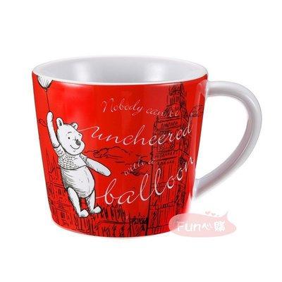 日本迪士尼 小熊維尼與小豬 素描風  英國倫敦行 大笨鐘 紅色馬克杯。現貨