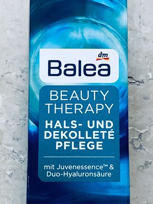 芭莉雅脛紋霜  Balea Beauty Therapy Hals- und Dekollete Pflege