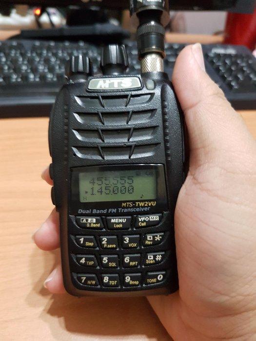 MTS-TW2VU 台灣製造 旗艦版 雙頻對講機 雙顯示雙待機雙接收(附電池+天線+背夾)功能正常  扒08