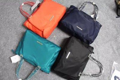 預購 正品  agnes b. 小b 防水尼龍 通勤外出 單肩包 拖特袋 可放13吋筆電 黑色 藍色 紅 孔雀藍