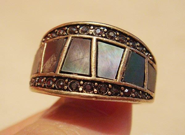 國外帶回,全新 lia sophia 高質感珠貝造形戒指,低價起標無底價!本商品免運費!