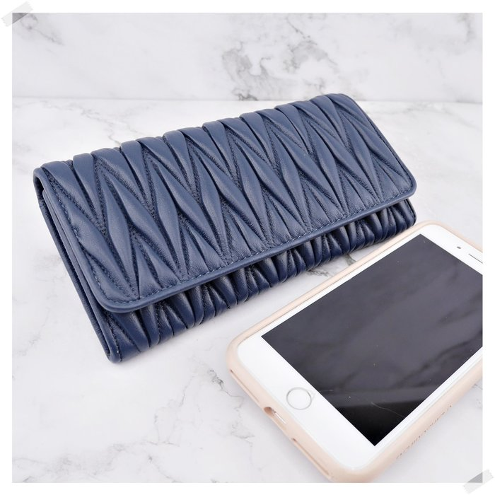 現貨秒出 *NINI Shop* 真皮 純小羊皮  19CM 皺褶長夾 (拉鍊零錢袋)-深藍 (刷卡/超取付款)