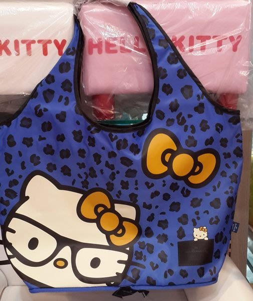 I2GO 愛二購 4165本通 Hallmark*hello kitty造型肩背包 側背包 購物袋 (大眼鏡KT) HLKT14A123NY藍色