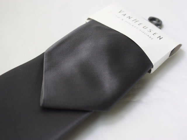 【VANHEUSEN】100%全新正品 素面領帶-深灰【寬版8.5cm】*附手帕*NEW VA16