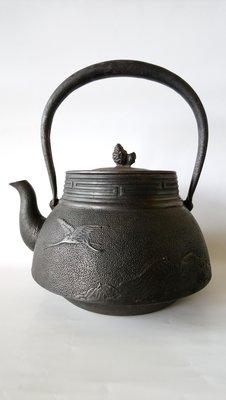 山川堂老鐵壺