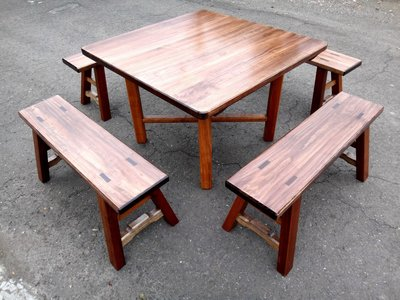 A029 {崙頂傳統原木家具行}~杉木實木小合桌配杉木實木板凳《桌面跟桌腳可分開》