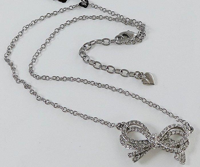 全新美國帶回 CAROLEE 銀色小奢華鑲水晶動感雙蝴蝶結重疊造型項鍊!附原廠防塵袋與禮盒,只有一件!無底價!免運費!