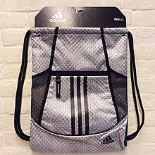 [ 束口袋]...小pen家~~adidas 潮流束口袋, 可放水壺,有拉鍊放心放手機(黑灰的組合)