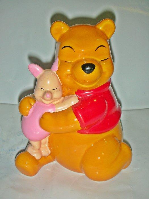aaL皮1商旋.(企業寶寶娃娃公仔)全新迪士尼pooh小熊維尼小豬互相擁抱造型寶寶/存錢筒/撲滿!/大1/-P