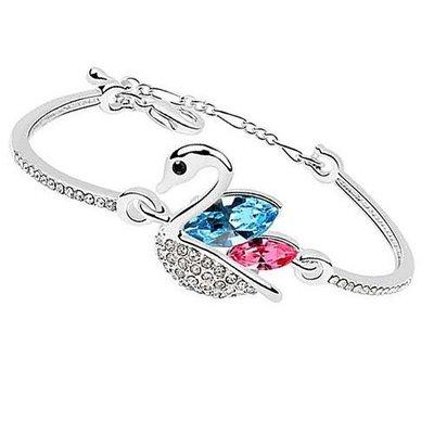 【Asiahito】Swarosvki 同款天鵝公主手環(精鍍雙層白K金+精鑲兩顆施華洛鑽石)有延長鍊可調手圍