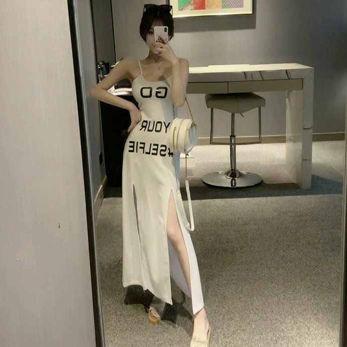 Qmi 2019夏季新款性感修身字母印花中長款開叉連衣裙休閒吊帶裙