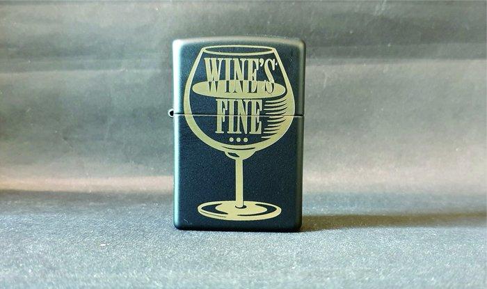 ONE*$1~*美系*ZIPPO*兩面加工《葡萄酒更加快速》霧黑鍍金*編號:29611