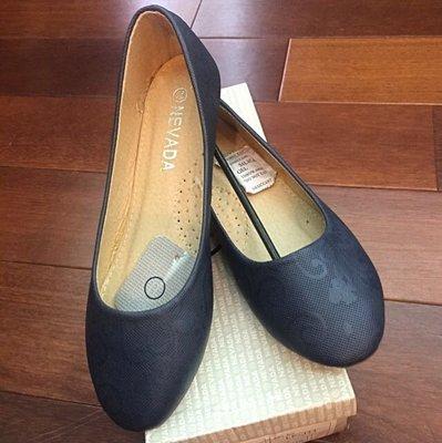 轉賣-印尼品牌Nevada暗藍色暗雕花紋路軟墊平底鞋/娃娃鞋,38=24號