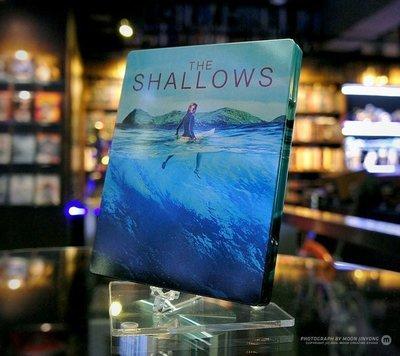 毛毛小舖--藍光BD 絕鯊島 The Shallows 限量鐵盒版(中文字幕)