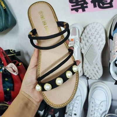 ☆╮街頭教主。正韓鉚釘珍珠皮革兩穿涼拖鞋 #38