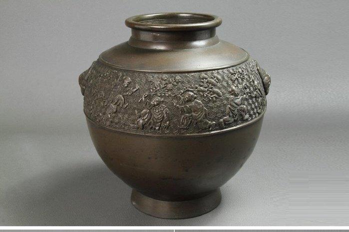 日本明治時代-唐子遊亀甲紋獣耳《銅鋳花瓶》
