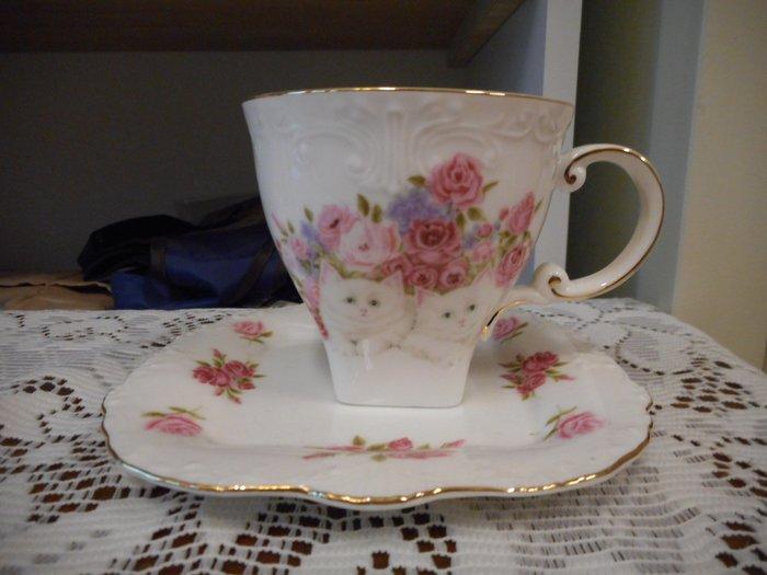 ~~凡爾賽生活精品~~全新日本進口粉紅色玫瑰花貓咪造型瓷器花茶杯.咖啡杯~日本製