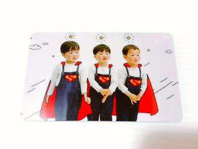 韓國綜藝節目【我的超人爸爸】宋一國三胞胎 ~大韓民國萬歲 寫真圖款水晶卡貼
