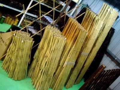 【路卡傢飾~園藝造景】 H 150 cm 伸縮竹籬笆 竹網格 竹子 竹籬笆 竹器 昇縮圍籬 花園