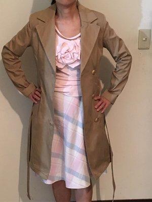 二手日本專櫃品牌proportion駝色及膝風衣 金釦綁帶有腰身長版外套