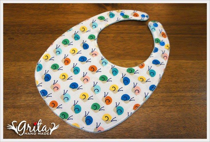 ♥gritas handmade♥純棉手作嬰幼兒圍兜兜/領巾/口水巾/三角巾/彌月禮—小蝸牛