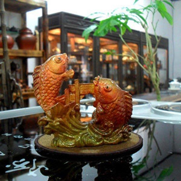 5Cgo【茗道】含稅會員有優惠 16596386504 茶具鯉魚躍龍門紫砂茶寵樹脂變色魚茶盤茶寵擺件居家客廳擺飾創意