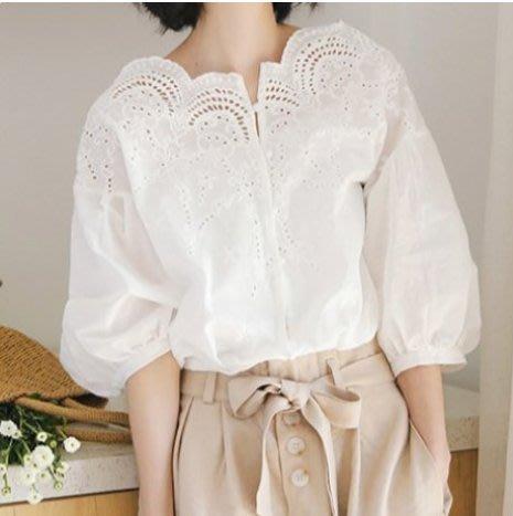 韓 韓系 蕾絲V領鏤空泡泡袖上衣 東大門T恤 襯衣MD003.6939 胖胖美依