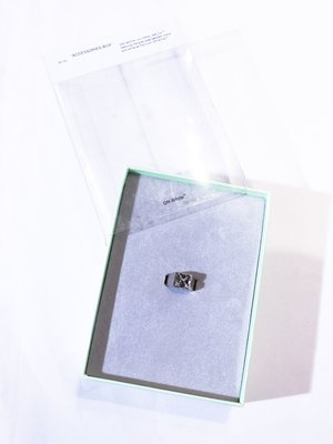 Off-White arrow ring.(Silver)