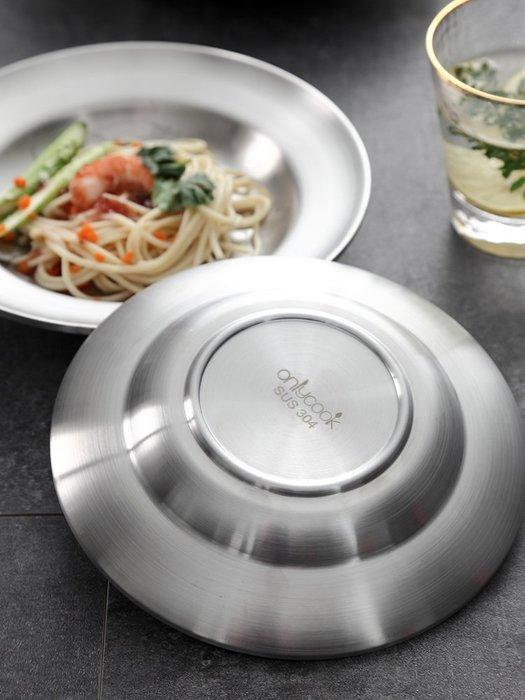爆款加深304不銹鋼盤子家用圓形餐盤餐碟雙層隔熱魚盤防燙裝菜盤菜碟買一送一#餐具#套裝#不鏽鋼