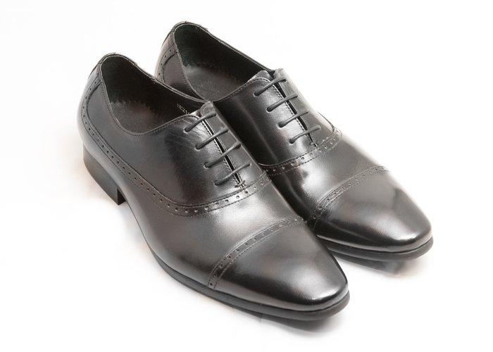 [零碼出清八折]開普托雕花牛津鞋:手工上色小牛皮真皮木跟皮鞋男鞋-黑色-免運費-[LMdH直營線上商店]E1A01-99