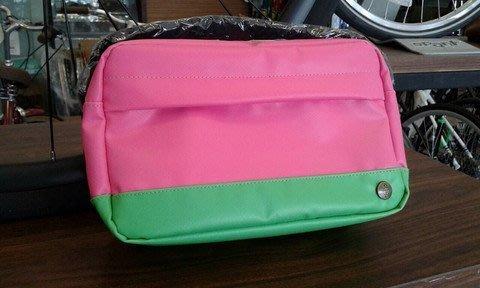 日本Strean Trail雙色系列~Shouledr Pouch雙色休閒側包/外出隨身包(粉紅/萊姆綠)口袋包