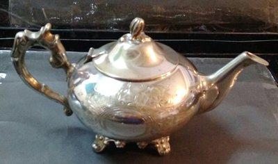 242 高級英格蘭鍍銀壺 Vintage Silver Plated Floral Etched EPNS Teapot