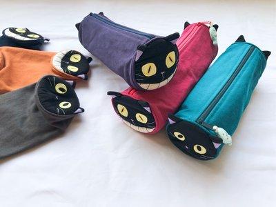 日本卡拉貓~笑臉惡魔貓圓筒筆袋