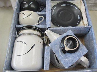 二手舖 NO.4410 日式陶瓷禮盒 ENONI 一壺兩杯兩盤組 密封罐 禮盒組 咖啡杯組 壺杯組
