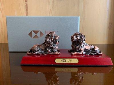 100%全新HSBC Metal lion set with base
