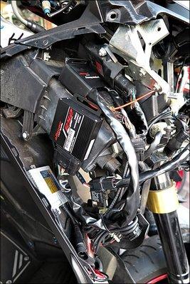 【貝爾摩托車精品店】aRacer 艾銳斯 RC2  TMAX530