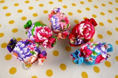 【寶貝童玩天地】【HO126-1】糖果造形沙包 中沙包  1組(5個中沙包) 5色款 - 客家花布 牡丹*HM01