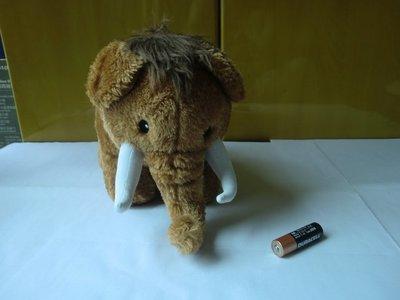 大象毛公仔