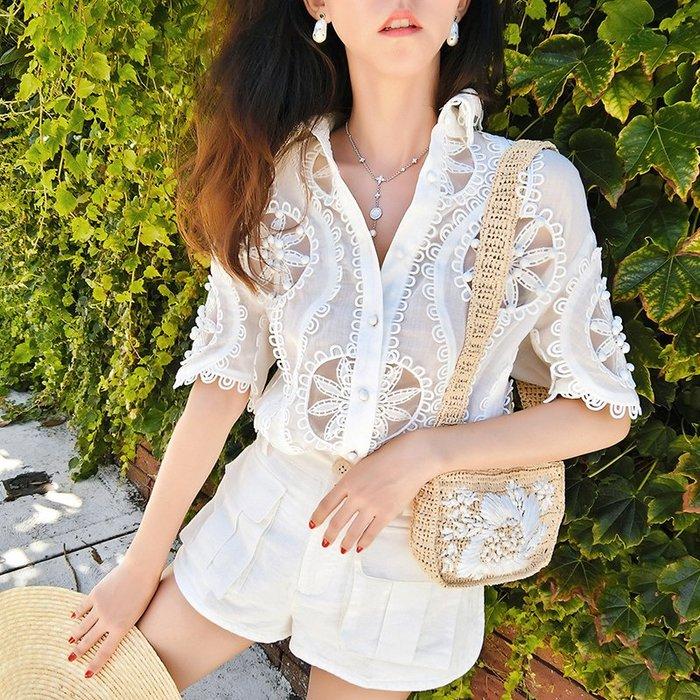 《巴黎拜金女》白色寬鬆新款短袖蕾絲襯衫娃娃心機上衣