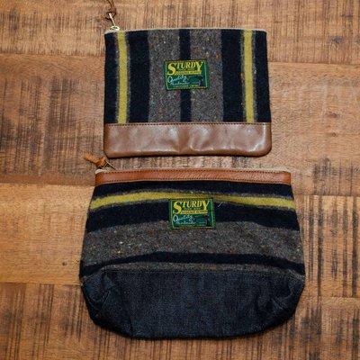 牛仔偵探 Sturdy Leather 手拿包橫款單寧皮革拼接 手拿包 拉鍊設計
