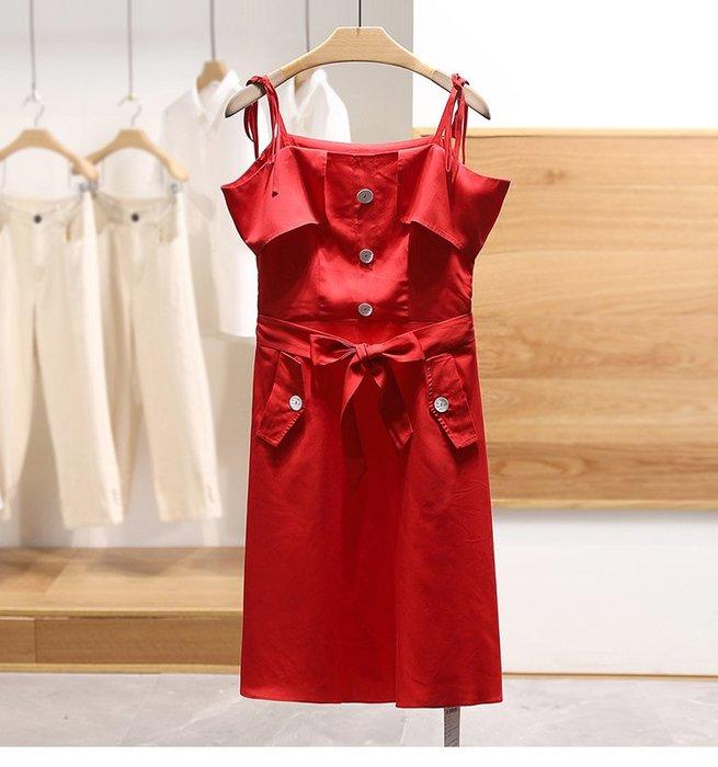 【木風小舖】雙口袋 撞色排扣 荷葉露肩綁帶洋裝*大紅