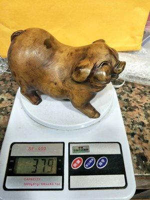 宋家苦茶油yewtigeragapike.5越南黃老虎奇楠製成微笑天使豬.這是大公豬.可生財運.奇香無比.油質豐厚.