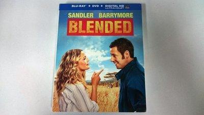 毛毛小舖--藍光BD 當我們混在一起 BLENDED 限量紙套版(免運) 亞當山德勒 茱兒芭莉摩