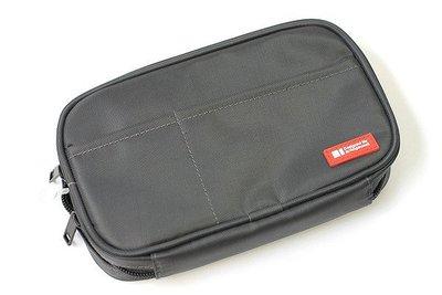 【優力文具】日本LIHIT LAB. A7多功能分類收納包(A-7551 日式小說本尺寸)可當筆袋*黑色