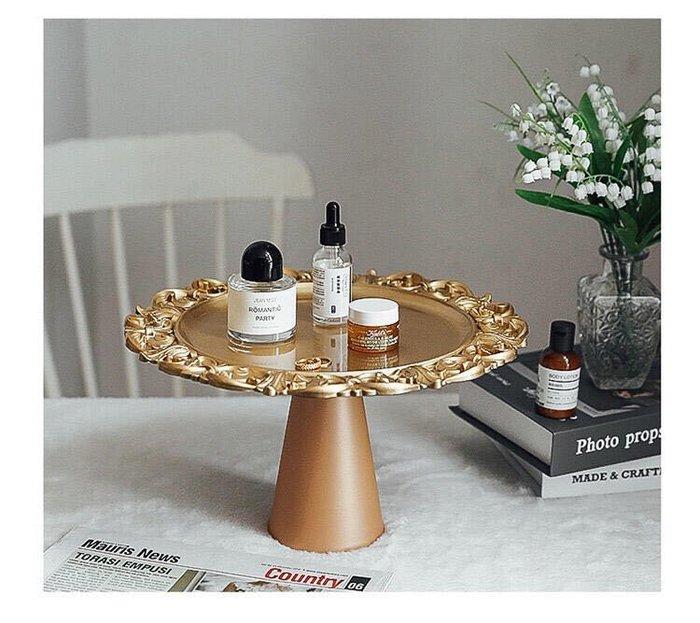 展示架 蛋糕架 金色 塑膠 雕花 鐵盤 陶瓷盤 裝飾 高腳 托盤 攝影 道具 ins 道具 拍照 佈置 婚禮 花木馬