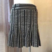 《寶兒花園》黑白銀三色3D立體直條層次打摺百摺拉鍊短裙