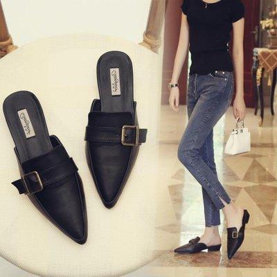 【歐慕家居】韓版復古平底包頭涼拖女 皮帶扣低跟尖頭半拖鞋 套腳懶人鞋小皮鞋-OMJJ218949