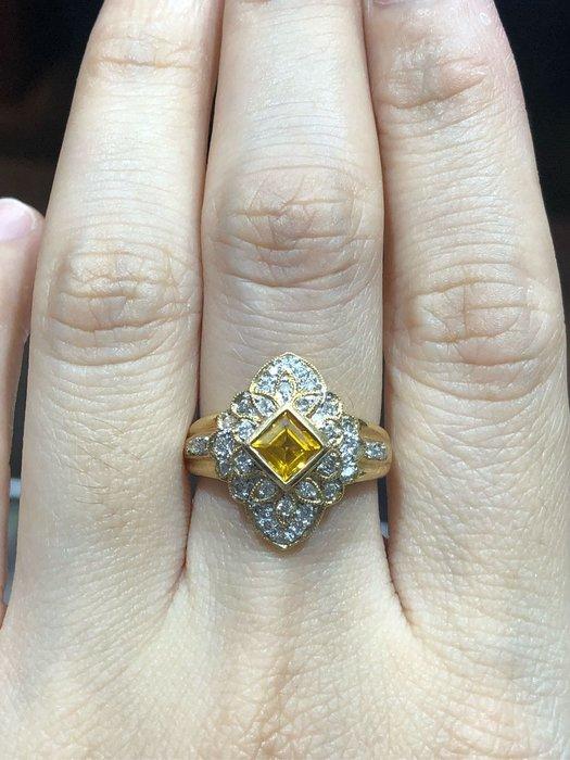 天然黃寶石鑽石戒指,復古造型設計,黃寶可招財,超值優惠出清價15800